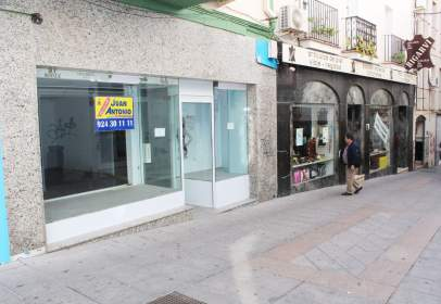 Commercial space in calle Manos Albas, nº 6