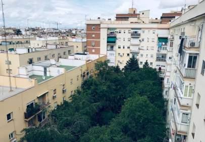 Apartment in calle de Francisco Silvela, near Calle de Ardemans