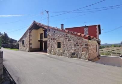 Casa adossada a calle de Muñaca
