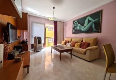 Apartamento en calle Benavides, cerca de Calle Santa Teresa Jornet e Ibars