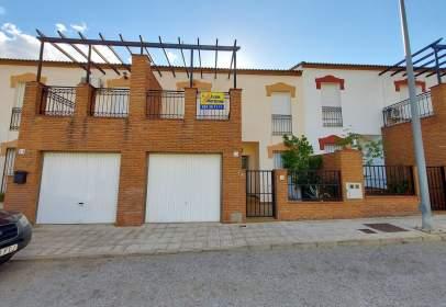 Casa adosada en calle de los Tomillares, 22