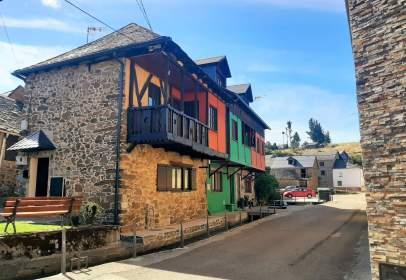 Casa pareada en calle Vega