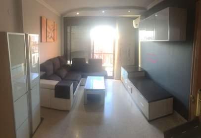 Apartament a Carrer de Pau Casals, prop de Carrer del Calvari