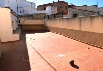 Pis a calle Fuenterrabía, nº 2