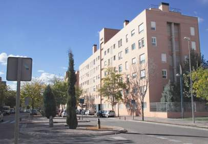 Apartamento en Avenida de Carmen Laforet, nº 9