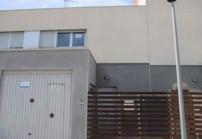 Casa pareada en Avenida Zaragoza