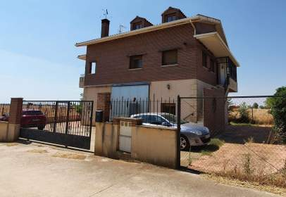 House in Miralrío