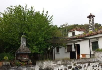 Casa en calle de Emeterio Suárez