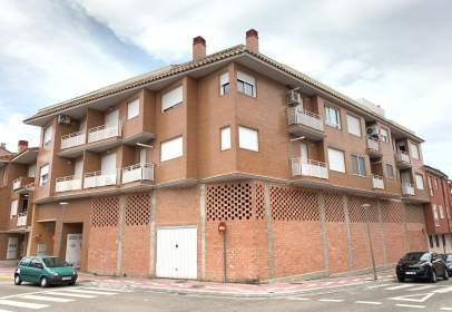 Apartament a La Puebla de Alfindén
