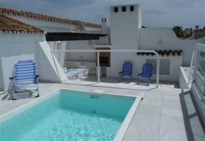 Duplex in Urbanización Bahía de Marbella