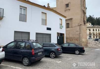 Flat in calle Cardenal Spínola