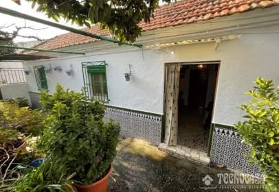 Casa adosada en calle de Ávila