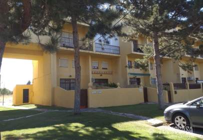Casa adosada en calle Isla de Mallorca
