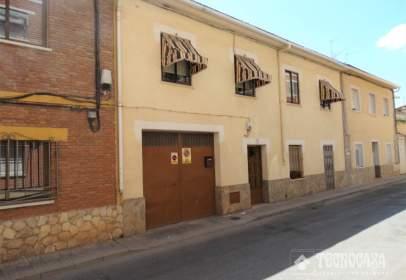 Casa adossada a calle San Antonio