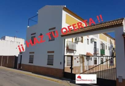 Casa adosada en calle Santa Maria del Aljarafe