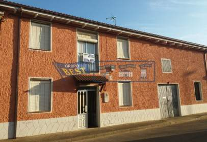 Casa en Villanueva de Las Manzanas