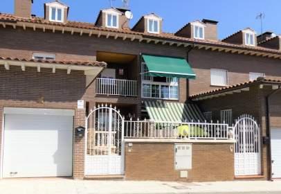 Casa adosada en calle Isla de La Palma