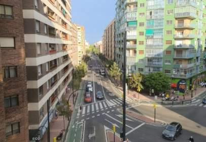 Flat in calle de Miguel Servet, near Avenida de San José