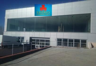 Nave industrial en Santo Tomás-Universidad