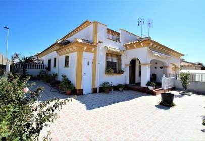Casa adosada en Aguas Nuevas-Torreblanca-Sector 25