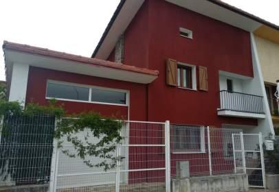 Casa adosada en calle Rio Arga