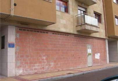 Commercial space in calle Francisco de Vitoria, nº S/N