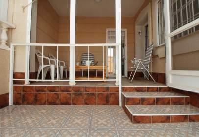 Casa adosada en calle de López Villalobos