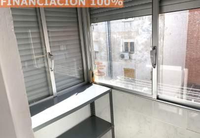 Pis a calle Ricardo del Arco