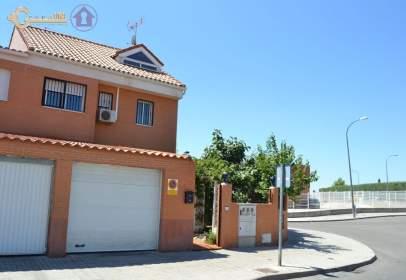 Chalet in calle Juan Carlos I