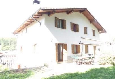 Casa aparellada a Jaunsarás - Jauntsarats