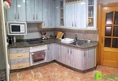 Apartment in calle de Rosalía de Castro, nº 1