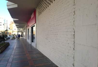Local comercial en Los Boliches