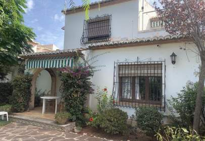Terraced house in calle Cala Blanca