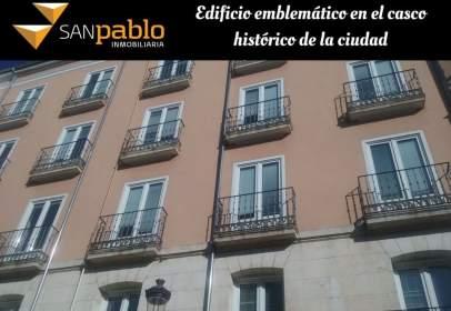 Edificio en calle de Santa Águeda