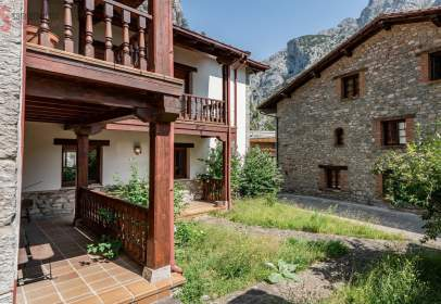 House in Roza (Peñarrubia)