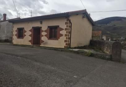 House in Santa Cruz de Iguña
