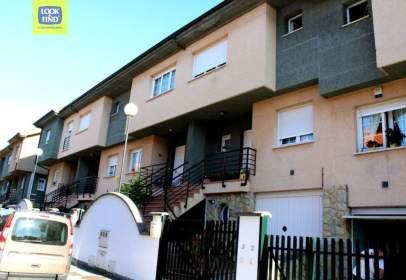 Casa adosada en Urbanización Rebollín