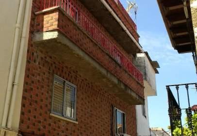 Casa adosada en Arroyomolinos de La Vera