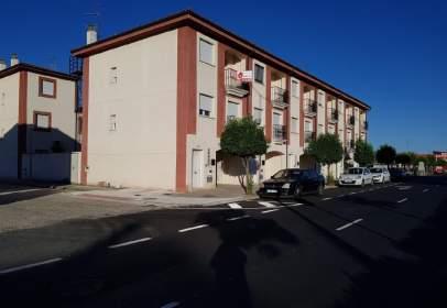 Casa adossada a Avenida de Pureza Canelo, nº 121
