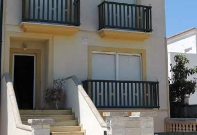 Casa adossada a Alfauir