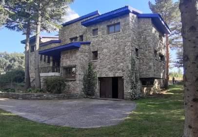 Single-family house in Ortigosa