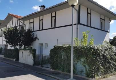 Casa pareada en Soto Iruz