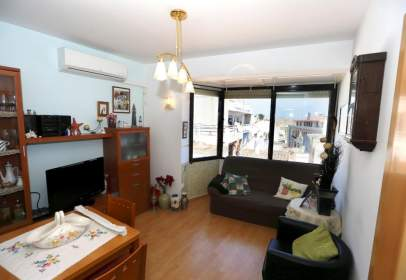 Flat in calle Ramon I Cajal
