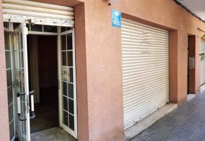 Local comercial en calle Prat de La Riba