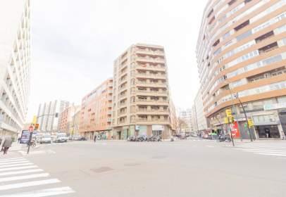 Pis a Avenida de César Augusto, 20, prop de Calle del Doctor Antonio Valcarreres