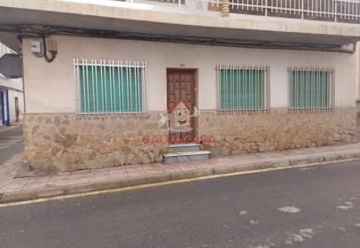 House in calle de Progreso, 19, near Calle de Hilario