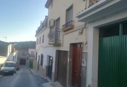 Casa adosada en calle Baja