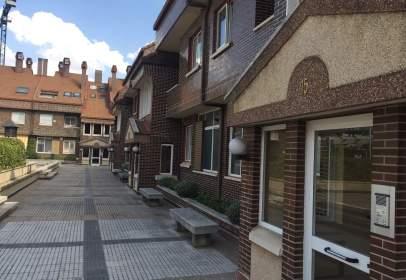 Casa adossada a calle Mariano de los Cobos