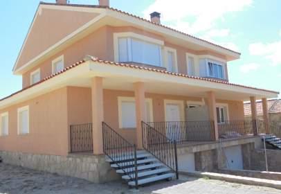 Casa aparellada a Resto A5 - Fresnedillas de La Oliva