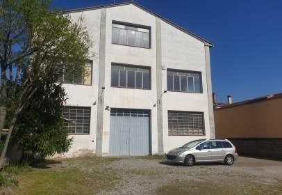 Edificio en Carrer de Madrid, cerca de Passatge de Ca n'Elies